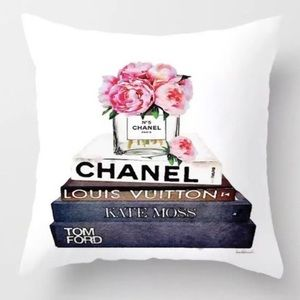 Pillow Cover with books and flowers NEW